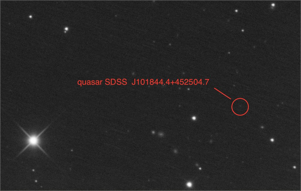 quasar SDSS J101844.4+452504.7